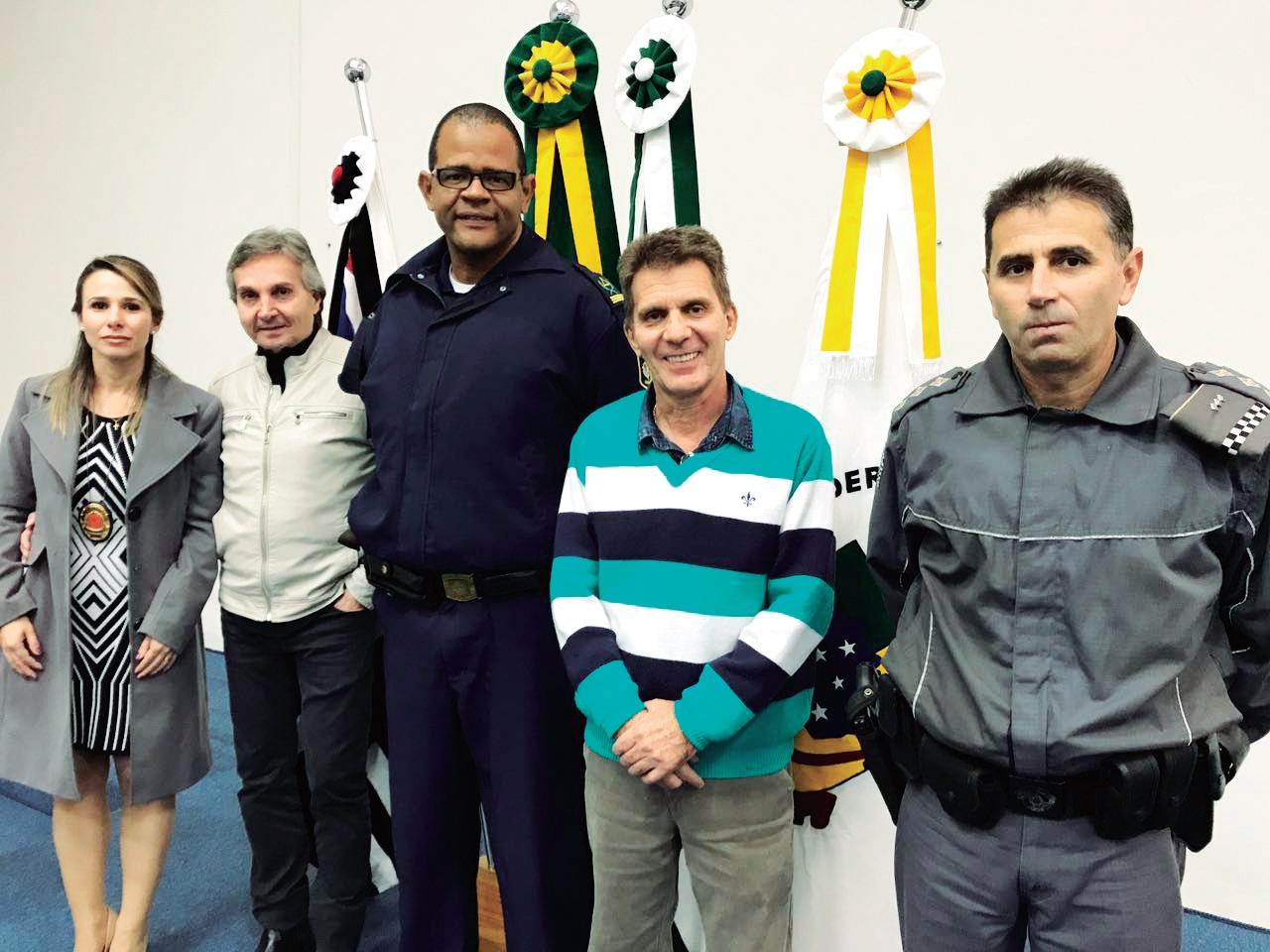 Dra Maria Luiza, delegada de Polícia de nossa cidade; vereador Flário de Carvalho; GM Teixeira, Zatinha, assessor de gabinete da presidência e o capitão PM Donisete.