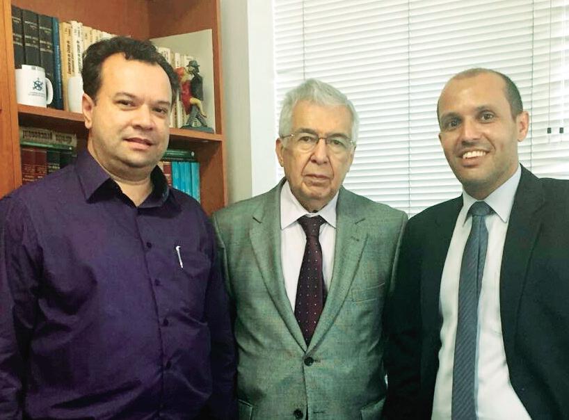 Eduardo Prado, Chefe de Gabinete do executivo; dr Almir Pazianotto Pinto, ex ministro presidente do TST, nosso ativo colunista e o vice prefeito Vitor.