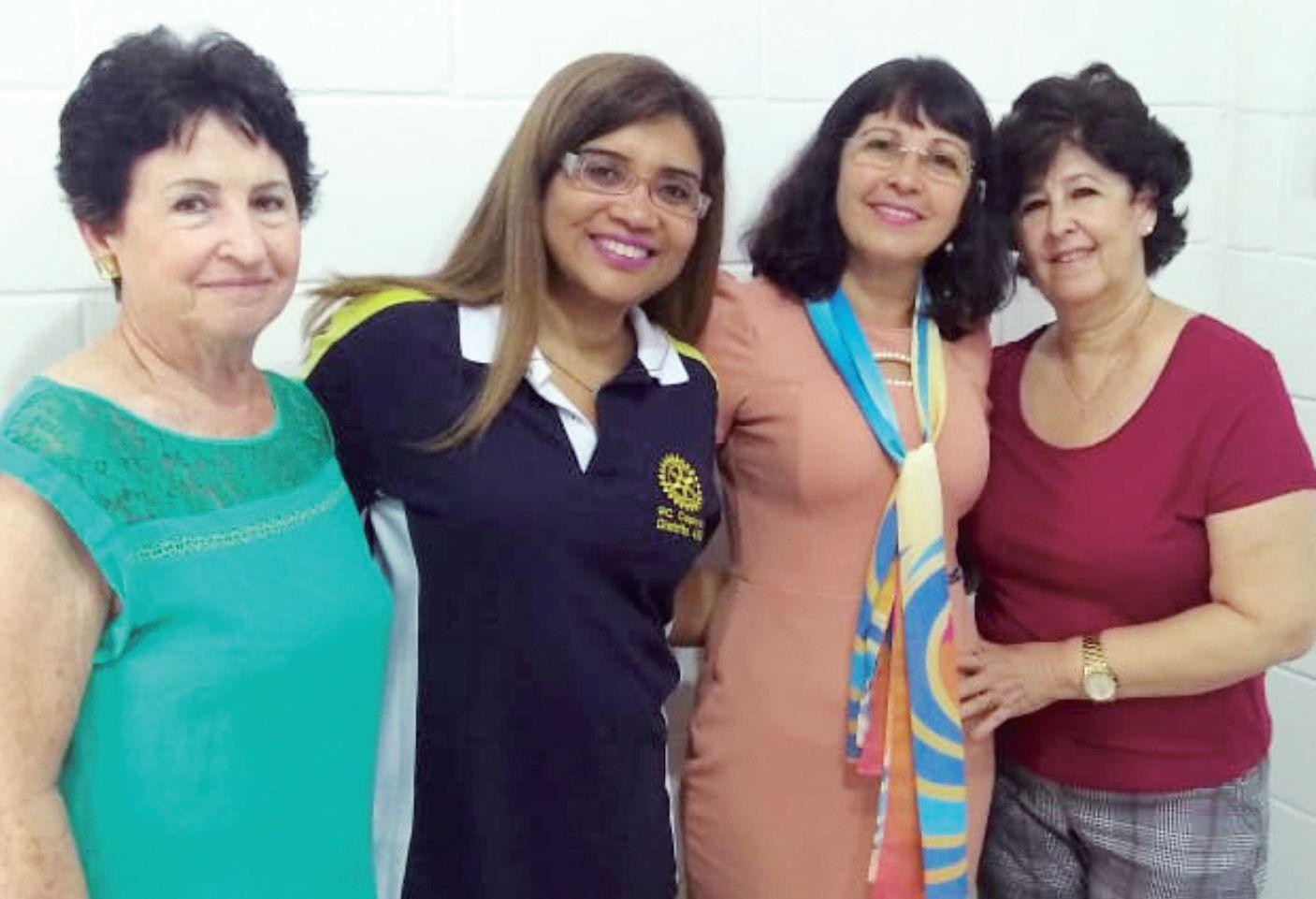 Dª Carminha, Jocelaine, Nereide e Ieda, integrantes da AFROC