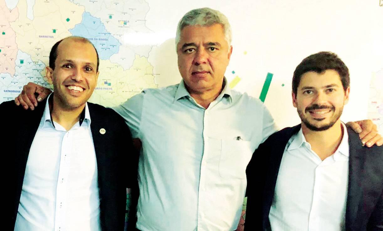 Vice prefeito Vitão, suplente de deputado estadual pelo PSL, com o deputado federal Major Olímpio eleito senador pelo PSL e o deputado Júnior Bozzella, também do PSL
