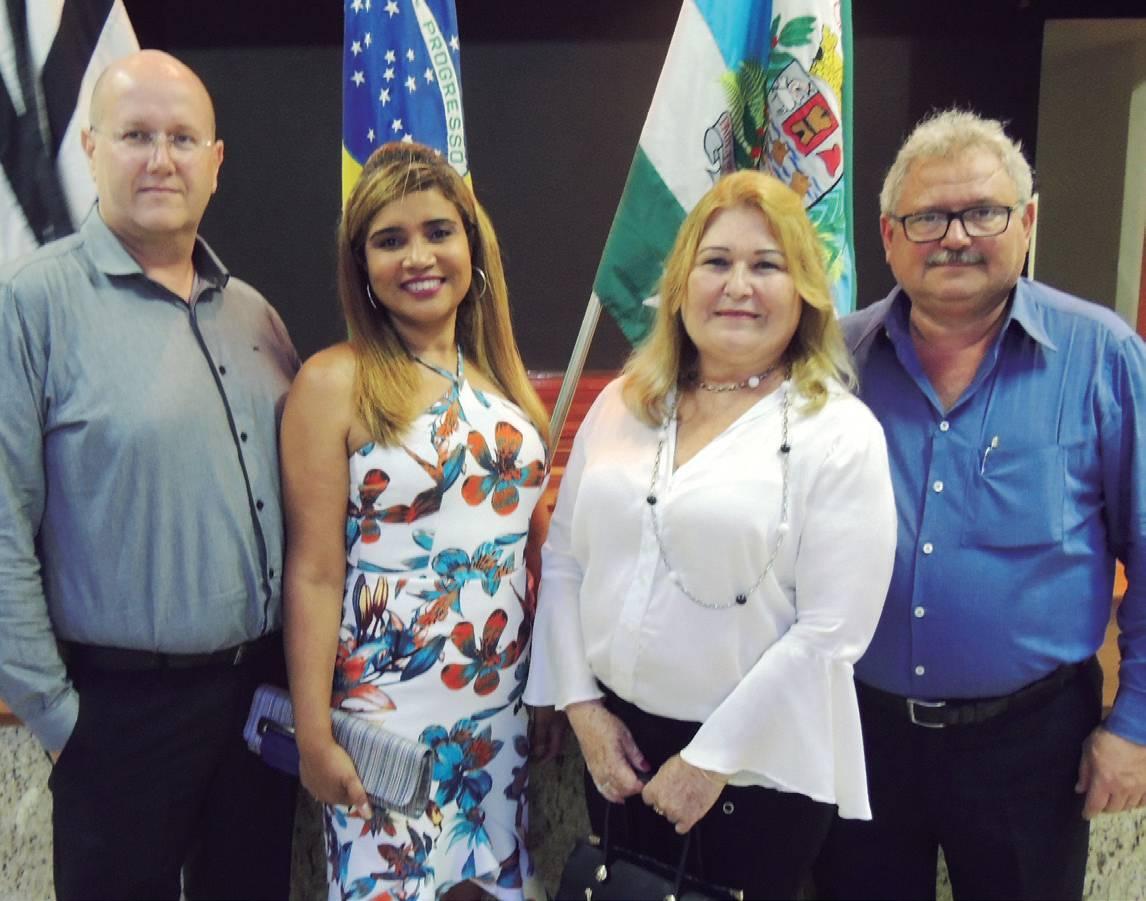 André e sua esposa Jocelaine, presidente da Santa Rita, empossado no último dia 01 e o casal Soraia/Fernandes Fornaziero, ex-presidente da Santa Rita em segunda gestão.