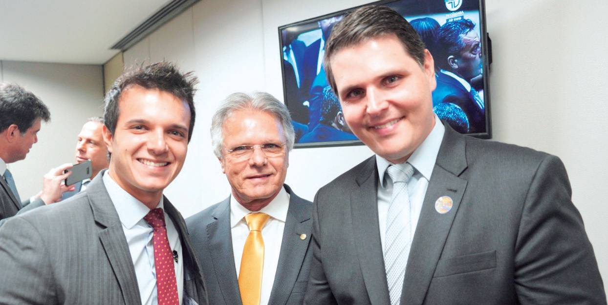 Vereador Rafael Macris, de Americana; deputado federal Vanderlei Macris e o deputado estadual Cauê Macris.