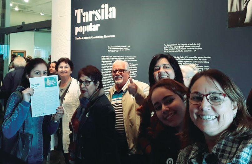 Comitiva capivariana visita a exposição das obras de Tarsila do Amaral no Masp.